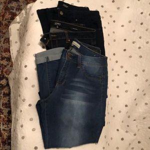 Lot of skinny jeans; 3 pair